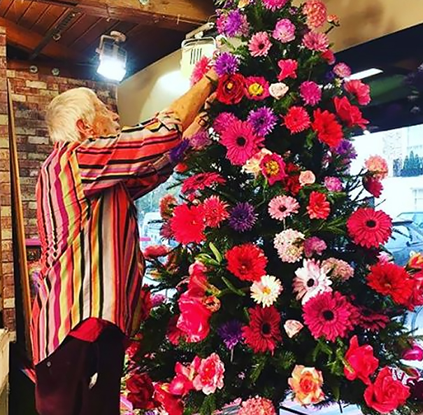 floral-christmas-tree-decorating-ideas-19__605